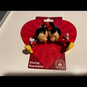 Disney Mickey Mouse Kissing keychain